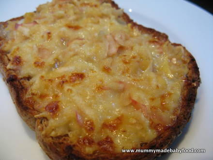 Baby Finger Foods: Cheesy Apple Toastie
