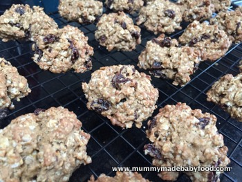 Home Made Cake: Oatmeal Raisin Cookies