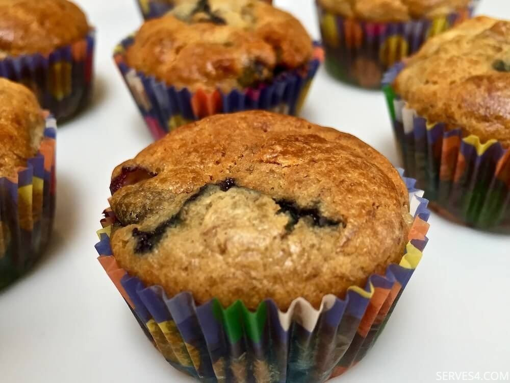Home Made Cake: Sugar-Free Banana and Blueberry Mini Muffins